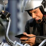 Mainan handphone ??? Pas waktu bawa motor… ???