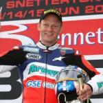 Shane Byrne,… cuma butuh 7 point untuk menjuarai British Superbikez…!!!