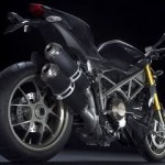Ducati Streetfighter,… thiez is the real ultimate naked bikez… !!!