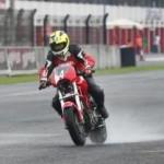 Pabrikan motor,… mau nggak mau kudu support event road race …!!!
