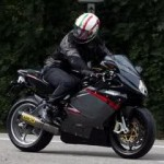 Spy Shot,… MV Agusta F3 … 3 cylinderz engine … !!!