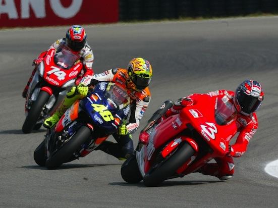 Rossi Honda vs Biaggi Yamaha 550