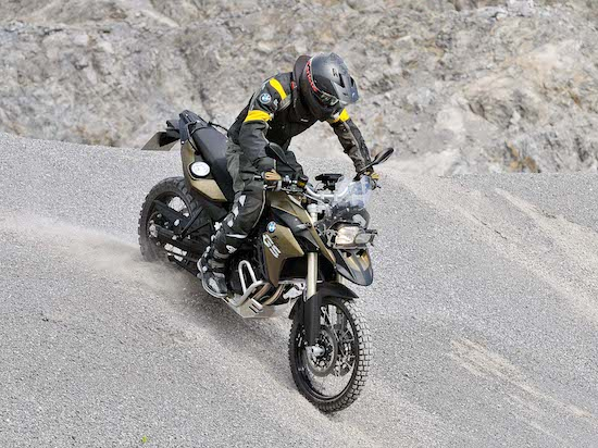 bmw-f800gs-front-view