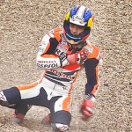 Dani Pedrosa ikut-ikutan crash… collarbone injury …???