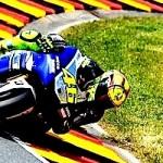 Valentino Rossi,… satu-satunya MotoGP racer yang termasuk Top 10 highest paid motorsportz atlit …!!!