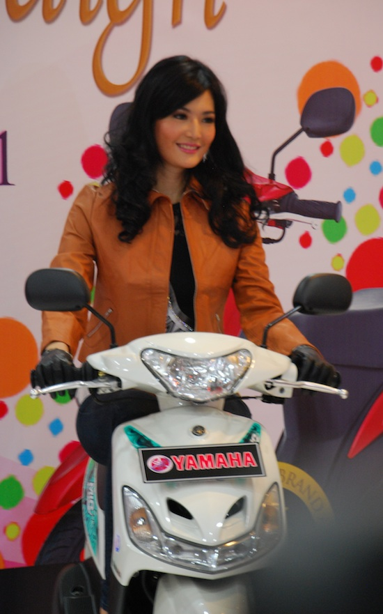Yamaha Mio and Miss Indonesia