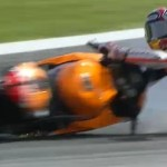 Marc Marquez crash lageee,… kaleee ini di warm up practice …!!!