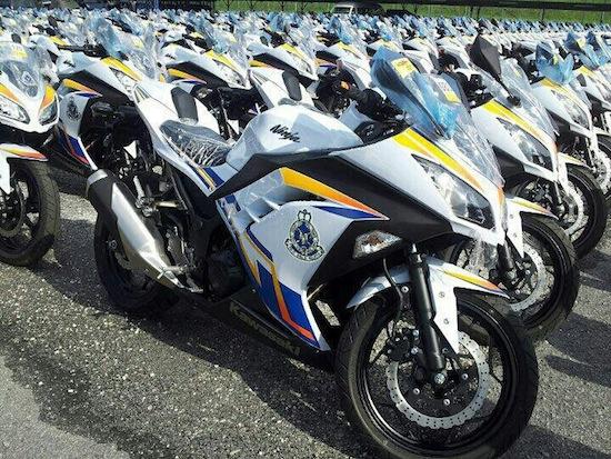 Malaysian-Police-gets-Kawasaki-Ninja-250r