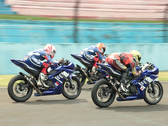 balapan Yamaha R15
