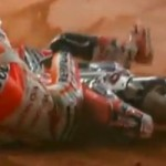 Marc Marquez crash,… ketika duel dirt track melawan Brad Baker …!!!