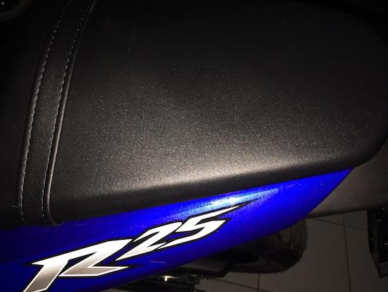Buka Plastik Yamaha R25 Bagasi Belakang Nya Rapiii