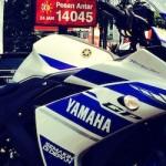 Komparasi tuntas-taaasss… Honda CBR250RR vs Yamaha R25,…. soal ban mana yang lebih gambooot …??? (2)