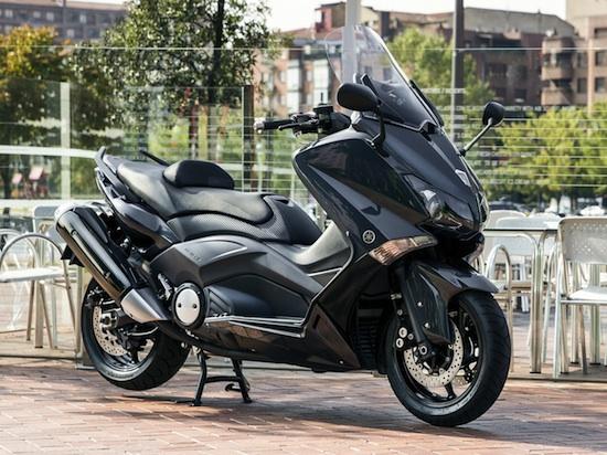 Yamaha TMax 03