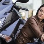 Nge-charge Aki Yamaha TMax,… 3 step cara untuk bongkar pasaaang …!!!
