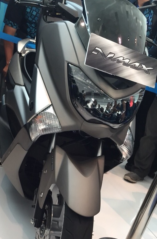 Yamaha NMax depan