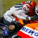 Tragedi Assen antara Rossi vs Marquez,… hampir sama dengan kejadian Checa vs Ukawa tahun 2002 …!!!