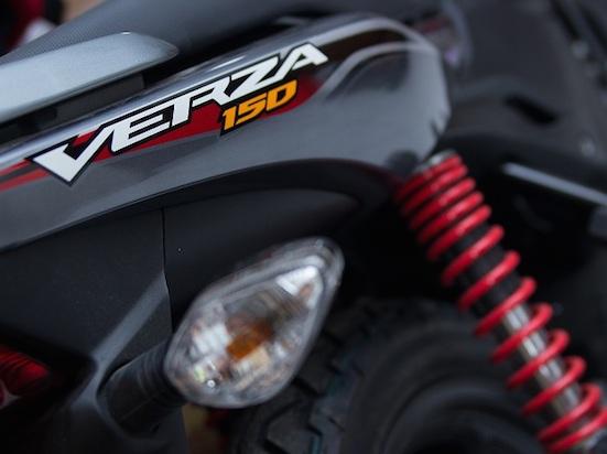 Honda Verza belakang