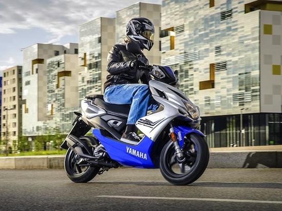 2015-Yamaha-Aerox 01