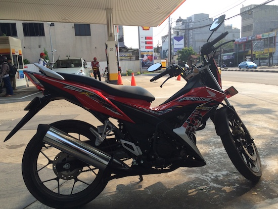 Honda Sonic 150R at Shell Fatmawati