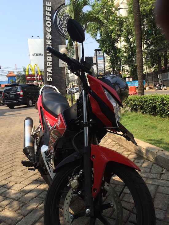 Honda Sonic 150R at Starbucks