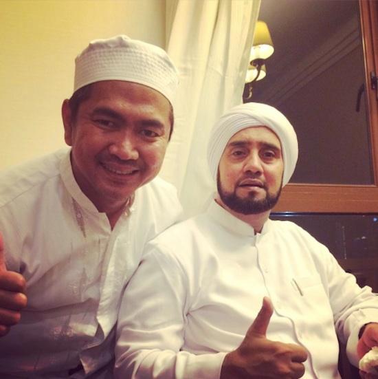 Mas Tri with Habib Syech di KL