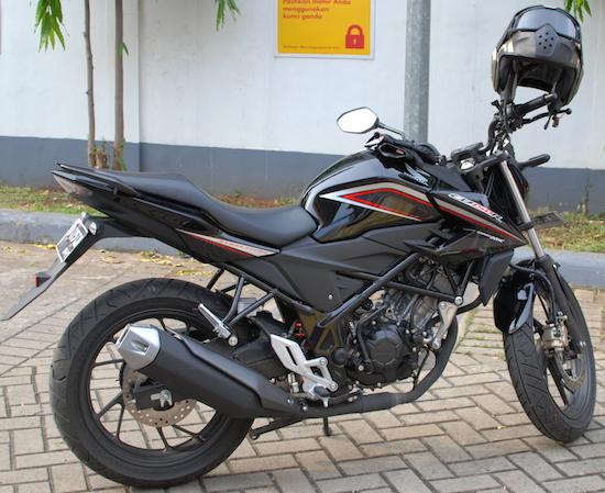 Honda CB150R 2