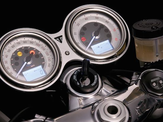 Triumph Thruxton R indicator