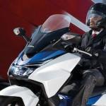 Ketika Rupiah melemah,… Honda Forza 250 akan semakin sulit bersaing dengan Yamaha XMax 250 …???