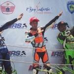 Yamaha R15 menguasai podium IRS Seri 4,… SOHC 4 valvez memang Zagoaaan …!!!