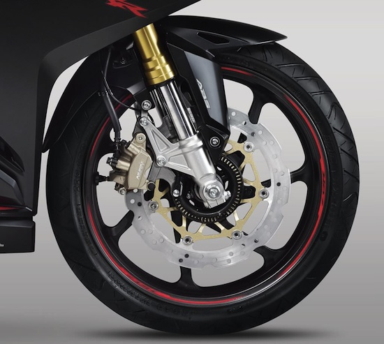 honda-cbr-250rr-brake-01