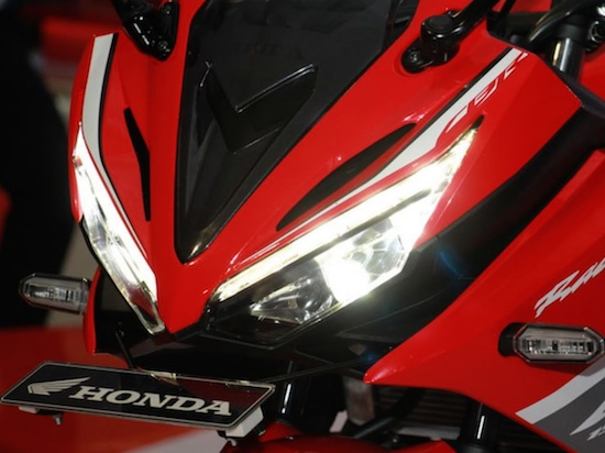 honda-cbr150r-headlamp