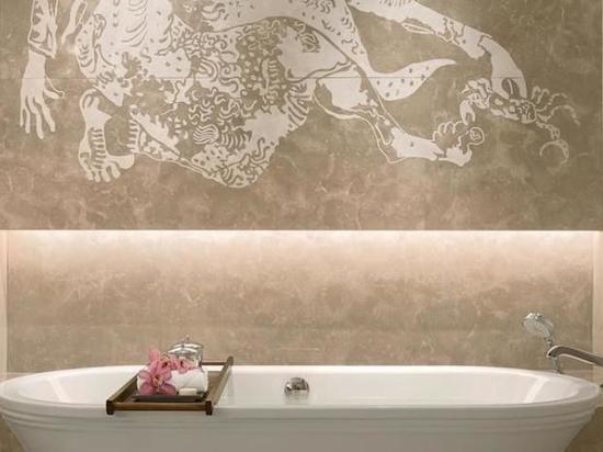 Raffles Bath tub
