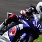 Cewek aja pake motor sportz 19HP,… lhaaa kok cowok kalaaah… piyeee jaaal …???