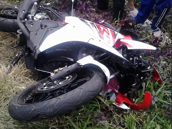 Yamaha R15 accident