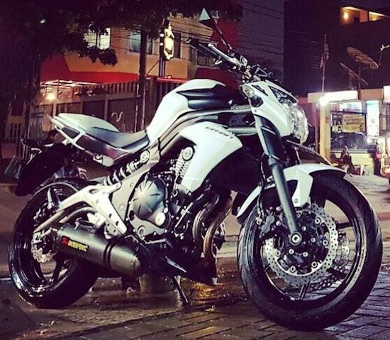 Kawasaki er-6n akrapovic