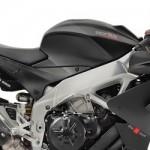 Pabrikan Aprilia brojolin Aprilia RSV4 1100 Factory,… apa aza kelebihan motor sportz ini …???