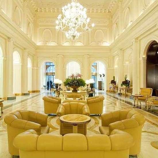 Palazzo Naiadi lobby