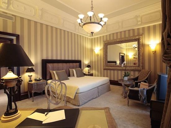 Palazzo Naiadi room