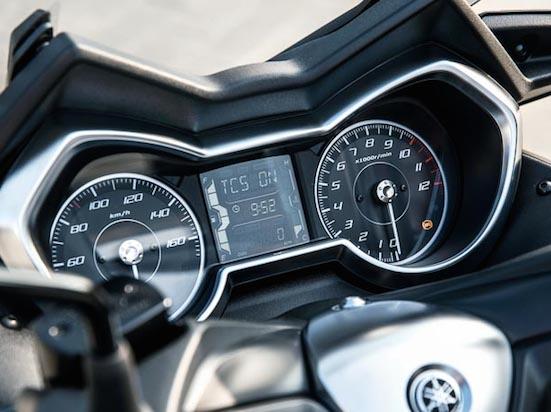 Yamaha XMax SE panel