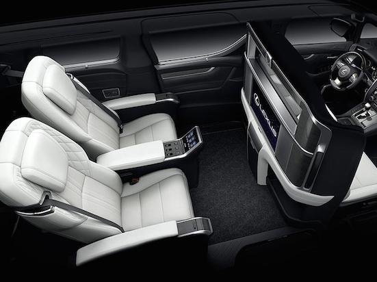 Lexus LM300h cabin