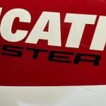 Kembali lageee ke Ducati Monster,… memang uniiik dan tidak bisa tergantikaaan …???