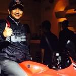 Ketemu dengan Yamaha R15 di jalanan,… sekelebaaat memang ganteng… jangan anggap remeeeh …!!!