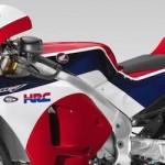 Casey Stoner mengendarai Honda RC213V-S,… melakukan lap of honour di Catalunya …!!!